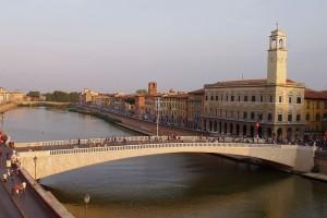 800px-Lungarno_Pisa_-_middle_bridge.jpg