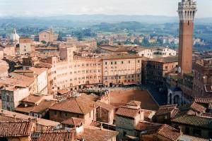 800px-Siena-view.jpg