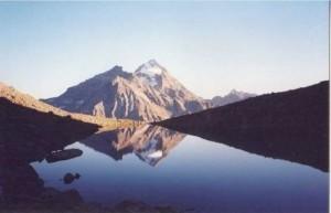 Lago-di-Mont-Ros-Bionaz-di-A.Landi_-300x193.jpg