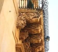 Noto-Palazzo-Nicolaci-di-L.La-Terra-225x300.jpg