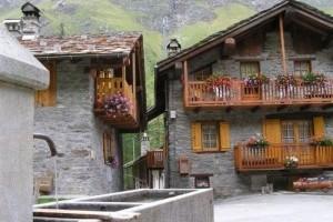 Village-Chaudanne-Rhemes-Notre-Dame-di-A.Airaghi-300x224.jpg