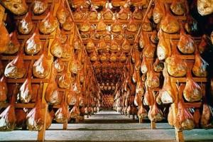 Prosciutto-crudo-di-San-Daniele-del-Friuli